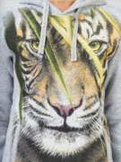Толстовка Тигр в траве